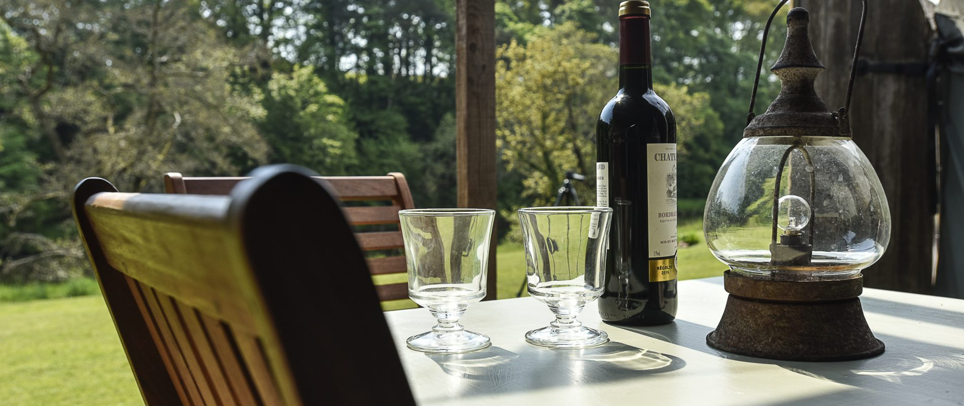 Table and Wine
